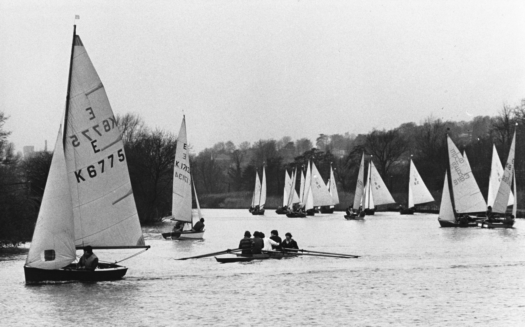 Members of NFSC out in force racing at Thorpe Dec 1975