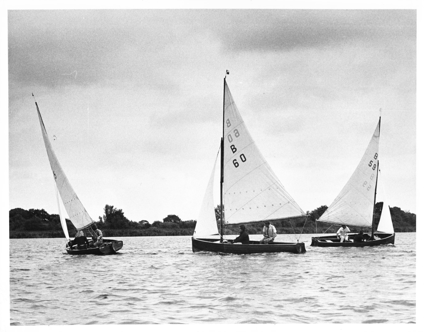 Norfolk Dinghy Championships 1975 - Martin Broom B59 takes the lead